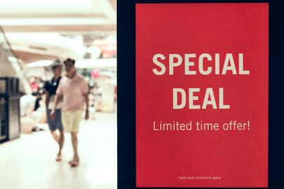 'Special Deal Limited Time Offer!' sign